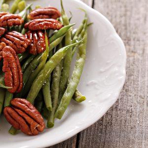 Sautéed Green Beans with Glazed Pecans